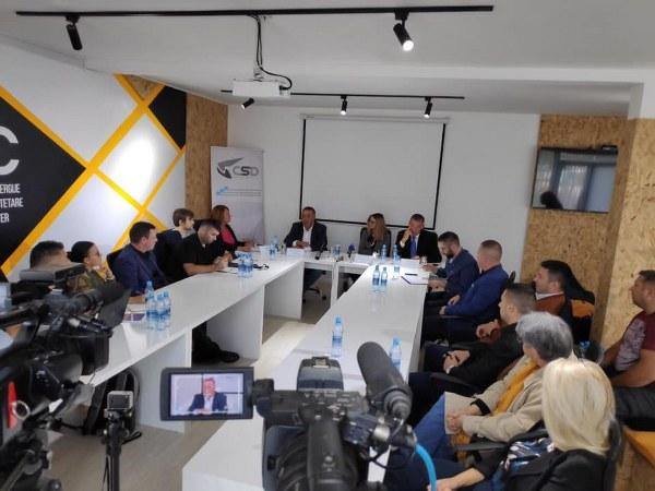 Uključenje u politiku, jedinstvo ili nejedinstvo? Ima li opozicije unutar srpske zajednice?
