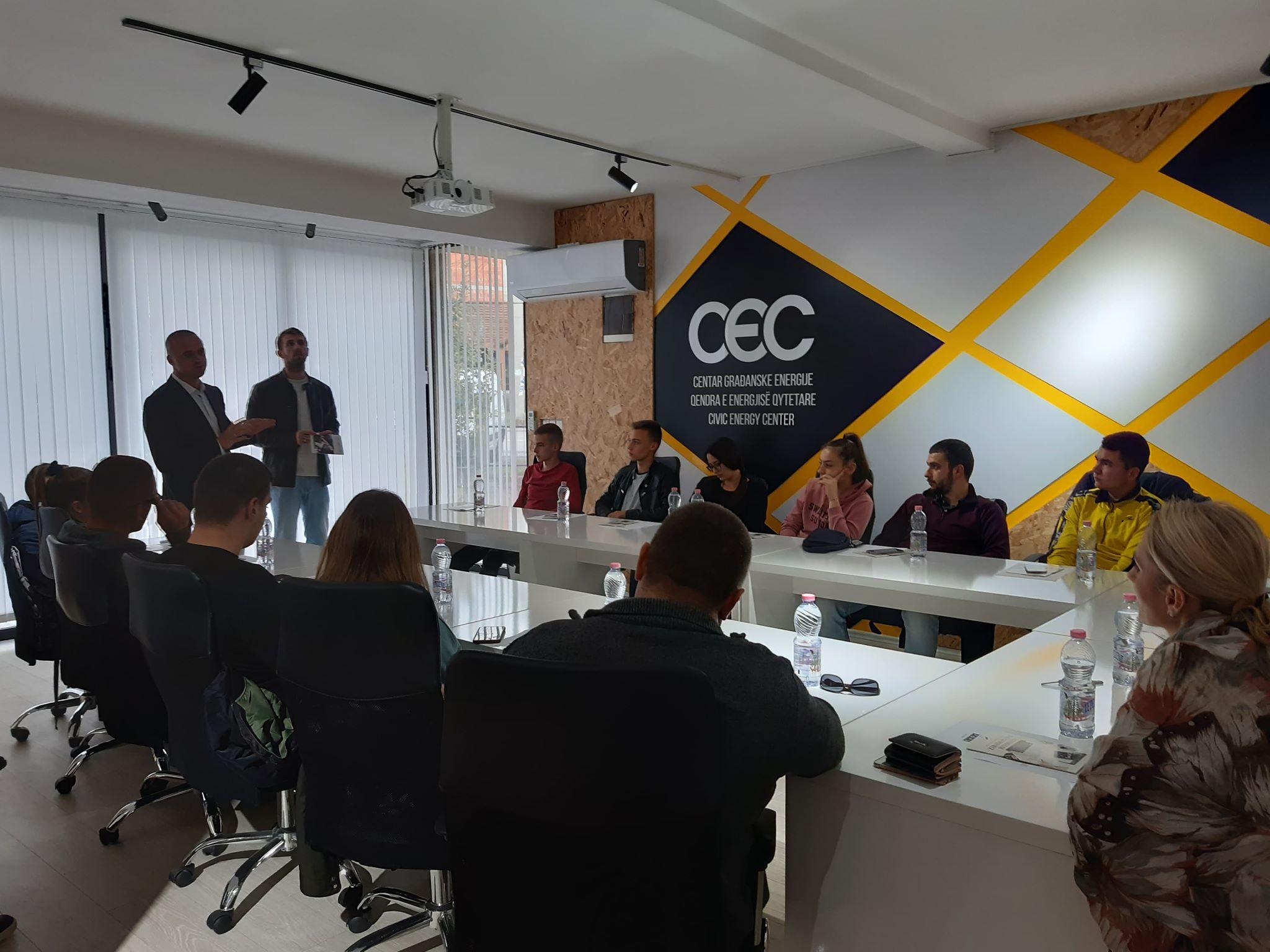 """NVO CoDe – Institut za razvoj zajednica održala promociju programa """"Zarada putem interneta, budućnost samoupošljavanja"""""""
